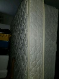 Queen mattress box spring like new Virginia Beach, 23462