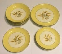 four round white-and-green ceramic plates Gleason, 38229