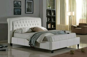 white tuffeted queen size platform bed (new)