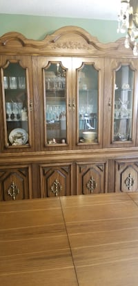 Dining Room table and Cabinet set Vaughan, L4L 5G4