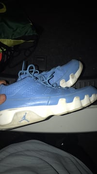 Pair of blue air jordan basketball shoes Pullman, 99163