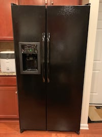 GE 25.3 Cu Ft. side by side refrigerator with thru the door ice/water Charlotte, 28278