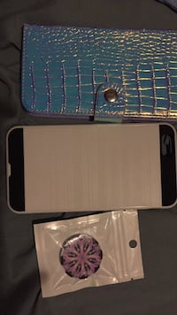 iPhone 6+ cases and pop socket  St Catharines, L2P 2Z1