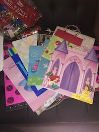 Gift bags, boxes, tissue paper, bows Rockville, 20852