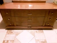 Dresser w/mirror and matching Chester draw  Tampa, 33605