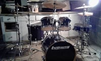 black and white Pearl drum set ARLINGTON