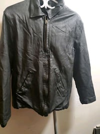 Mens leather coat sz L Edmonton, T5H 3Z3