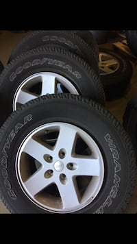 Jeep jk wheels and tires Ponte Vedra Beach, 32082