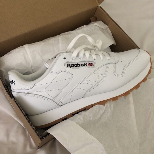 cb339439e96 Used Reebok Men s Classic Leather size8 with box for sale in San Jose -  letgo