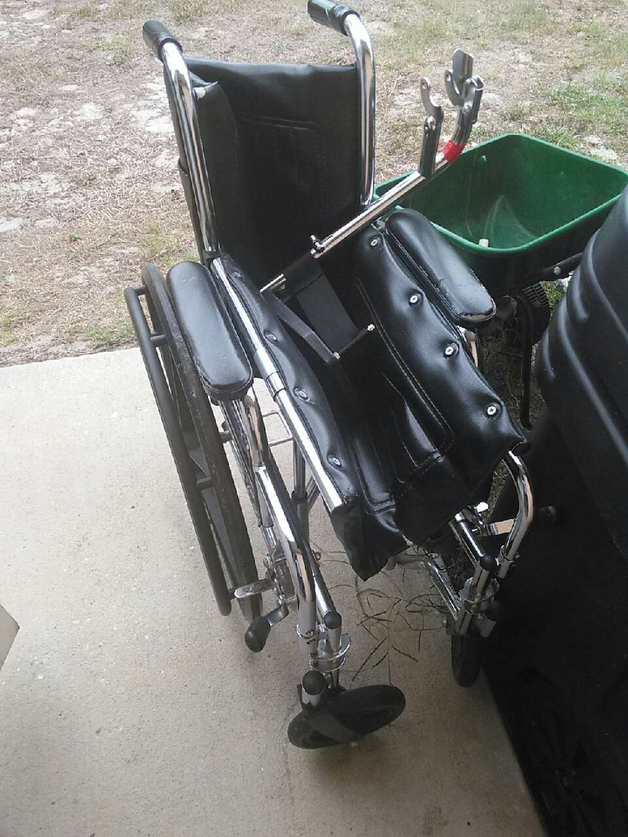 Letgo wheelchair for sale in punta gorda fl for Wheelchair accessible homes for sale in florida