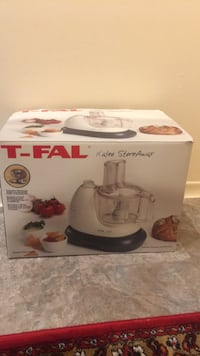 Food processor and juicer t-fal brand new Toronto, M4H 1L2