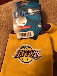 Los Angles Lakers Sport Utility Gloves Gastonia, 28052