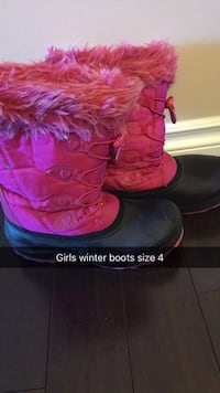 pair of pink UGG Bailey Button boots with box Calgary, T1Y 1X7