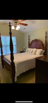 Beautiful Solid Cherry Queen/Full 4 Poster Bed. Monroe, 28110
