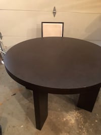 Dinning room table and 3 chairs price is negotiable  28 mi