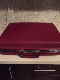 Vintage Samsonite hard shell suitcase with key Toronto, M6N