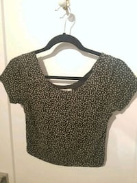 Grey & Black floral crop top Montreal, H4G 2C5