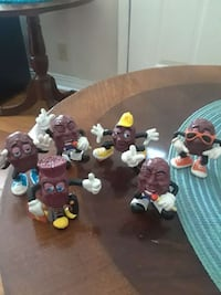 6 California raisins old Springfield, 65807