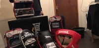 Black and red everlast boxing gloves Londra, NW10 5XA