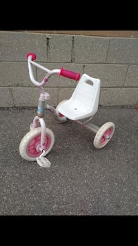 $30 for girl's toddler's white and pink trike tricycle Toronto, M9W 2A3