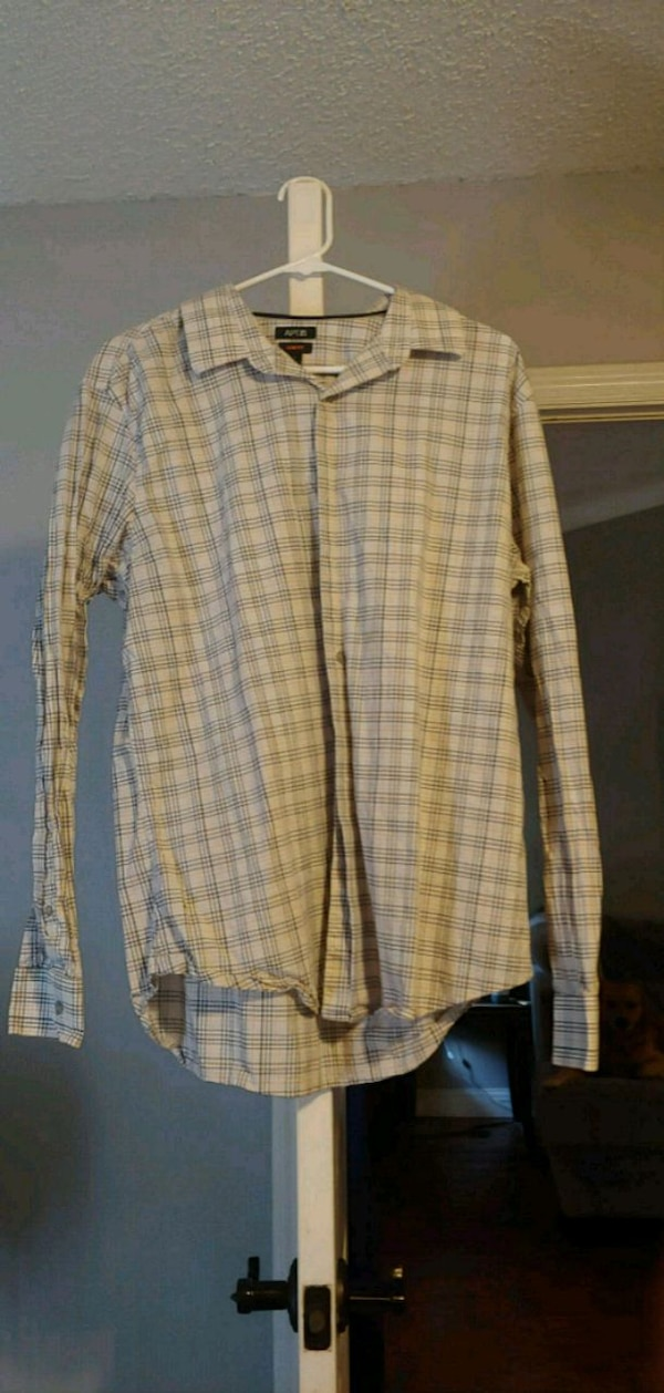 Large mens good condition no stains 2c63d75c-32ad-40d4-a199-2b55ded24b7a