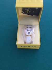 round silver analog watch with white leather strap in box Glenwood, 21738