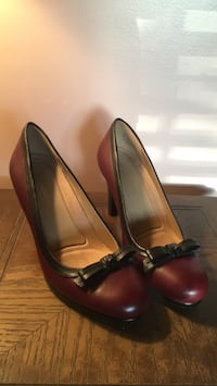 pair of red leather heeled shoes Whittier, 90602