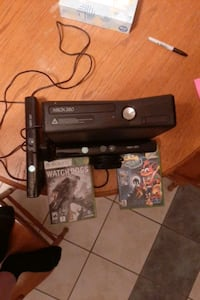 Xbox 360 with 2 connects and 2 games