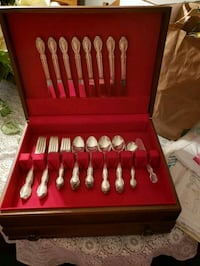 WM Rogers silverplated 8 piece flatware.  Wills Point, 75169