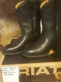 pair of black leather boots Poolesville, 20837