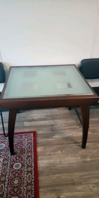 Dark Wood Dining Room Table Vancouver, V5Y 1A6
