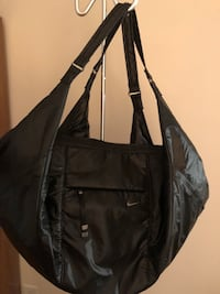 Brand new nike Black tote / gym bag retails at $110. Toronto