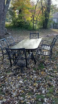 Mayo patio table & six chairs with cushions Knoxville, 37914