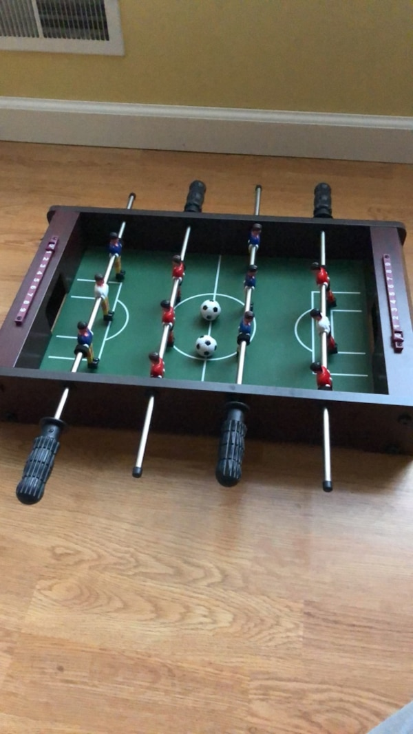 Table top fooseball
