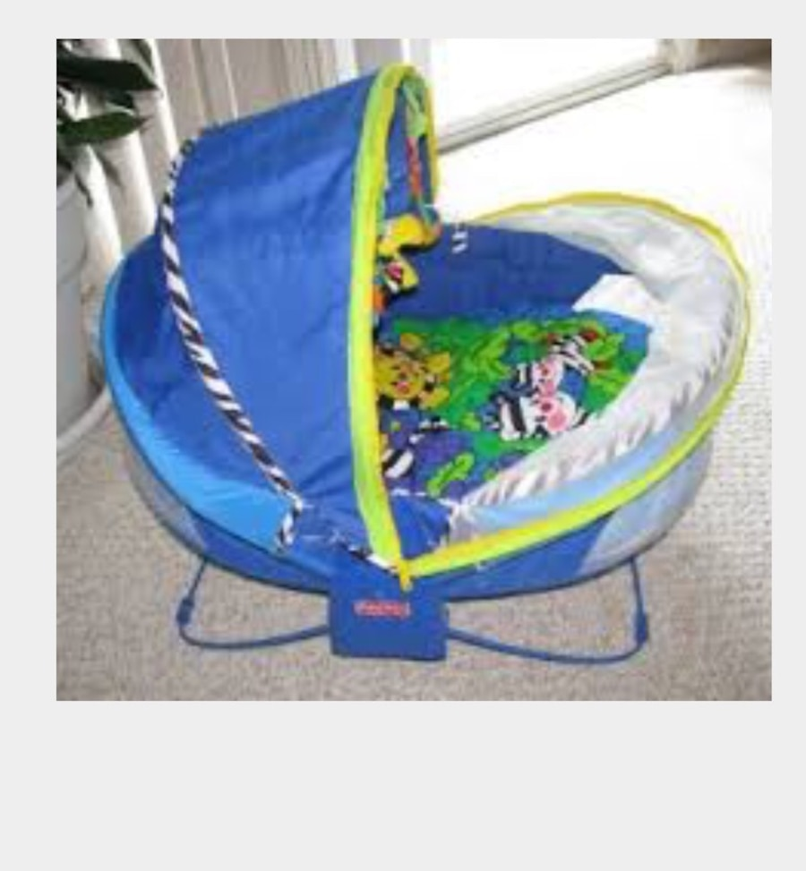 Used Bearly used bath tub & fisher price portable bassinet dome tent ...