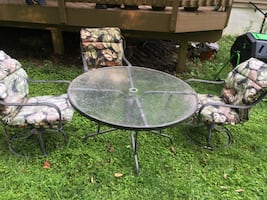 Outdoor table and 3 chairs