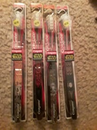 4 star wars tooth brushes  Williamsport, 21795