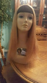 used 24 in honey blonde human hair wig