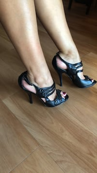 Black high heels, ok condition. Size 8.5 purchased from Bakers Gaithersburg, 20879