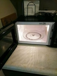 white and black microwave oven Canfield, 44406