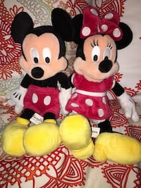 Mickey and Minnie Mouse Stuffed Animals right from disney world. Vaughan, L4L 6K3