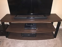 TV stand Seattle, 98133