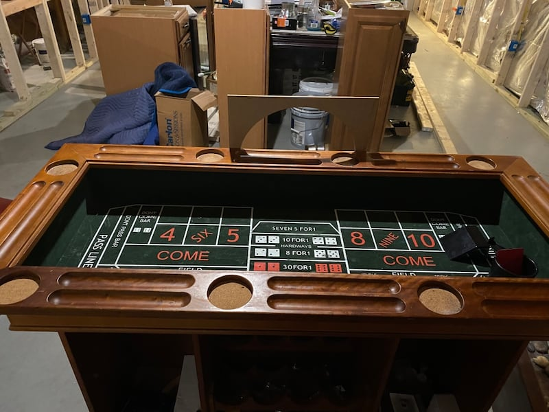 Solid Wood Bar & Casino Game Table w/ 2 matching leather bar stools 95a3ba41-0c25-4c15-9648-7a53d8346bb0