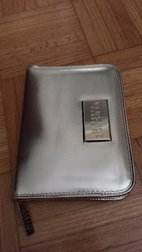 Authentic Versace wallet in excellent condition.