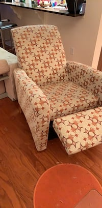 Brown and white floral fabric sofa chair Jersey City, 07305