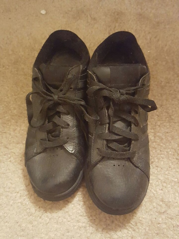 3d1f2f20f89 Used Champion comfort nonslip shoes women s size 7 1 2 for sale in ...