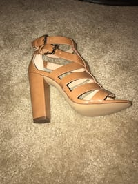 Pair of brown leather open-toe strappy heels (NEVER WORN) Alexandria, 22309