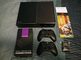 Xbox one 500gb console with extras