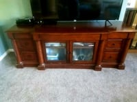 7 draw 2 door Television stand Fort Myers, 33907