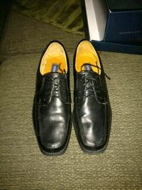 pair of black leather dress shoes Eddyville, 62928